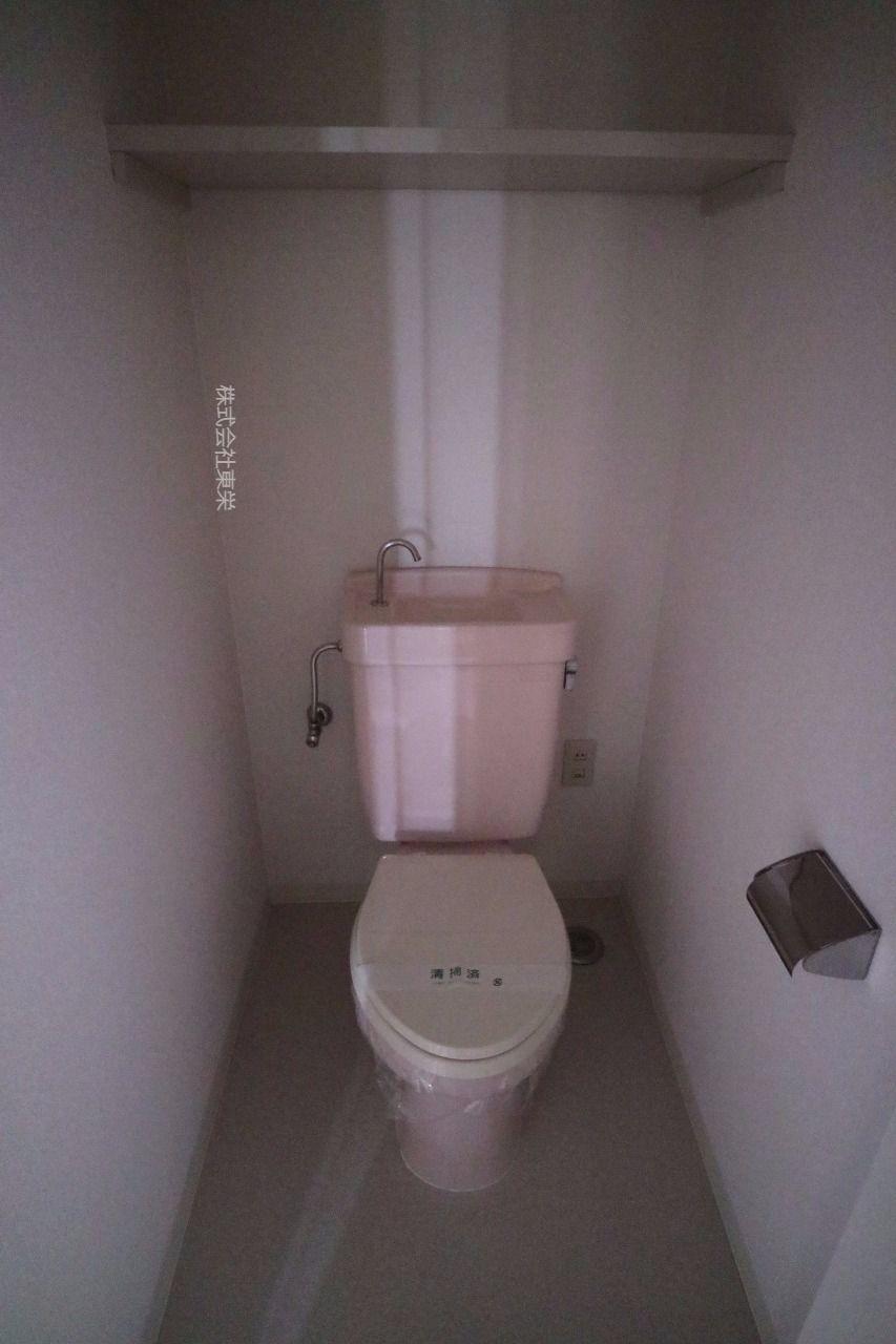 コンセントあります。洗浄便座の増設可能