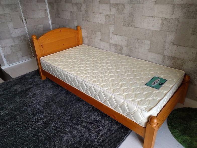 シングルベッド、家具
